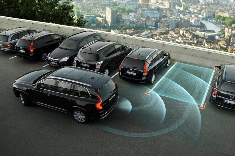 Volvo-XC90-park-assist