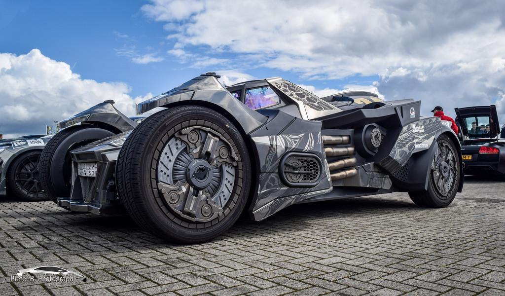 batmobile-galag-1
