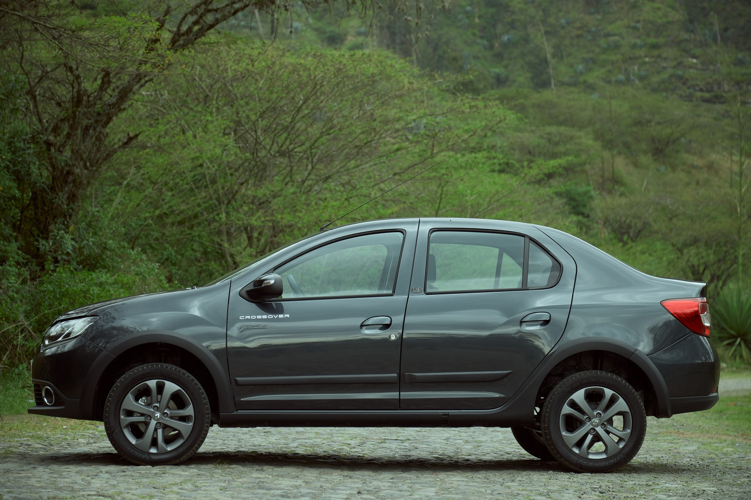 renault-crossover-exterior-1-1